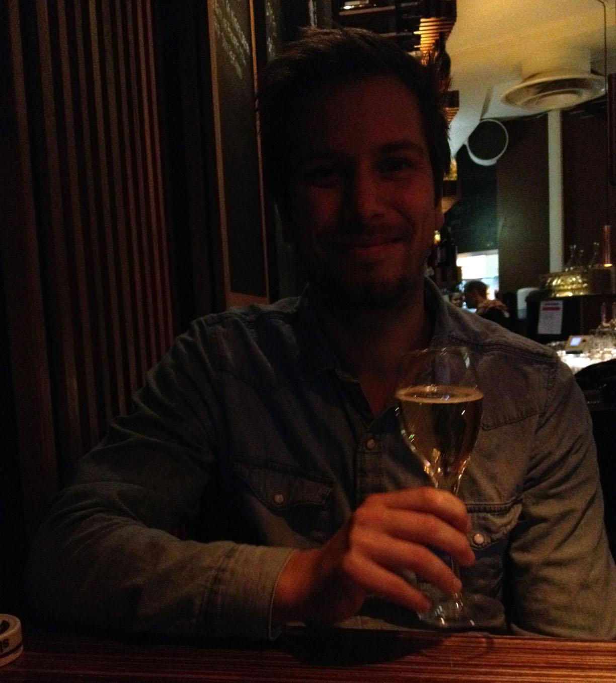 Födelsedagsbarnet med champagne :)